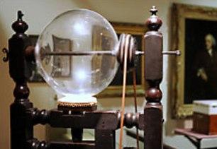 Электростатическая машина открывает новые свойства электричества